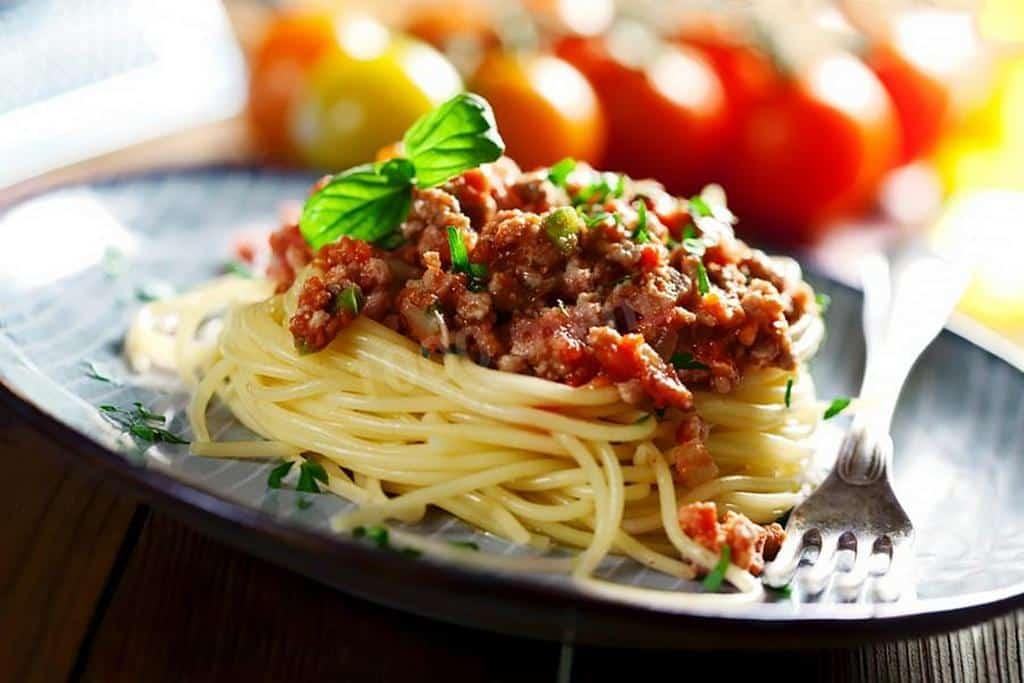 Паста «Болоньезе» -  итальянские блюда