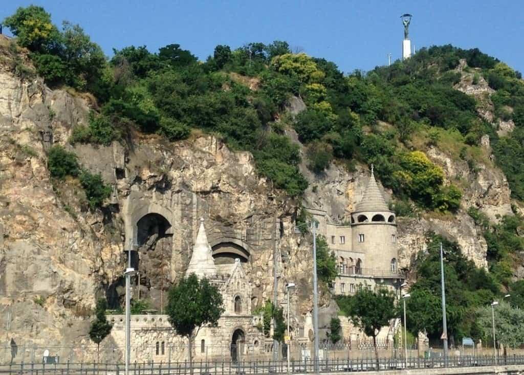 Пещерный Храм Паулинов