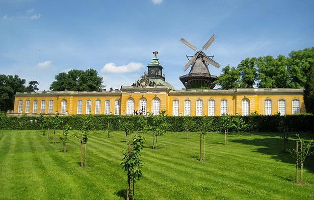 Дворец «Новые палаты» (Neue Kammern), Сан-Суси, Потсдам – Германия
