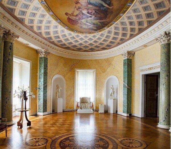 Овальный зал Мраморного Дворца
