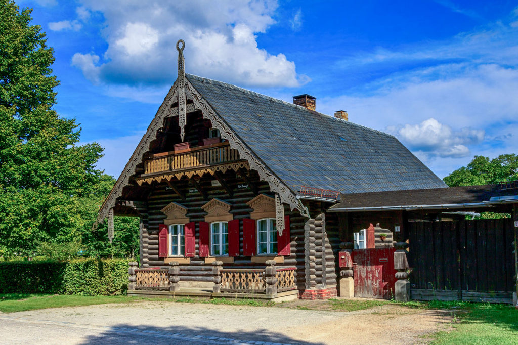 Дом в Александровке (Russische Kolonie Alexandrowka)
