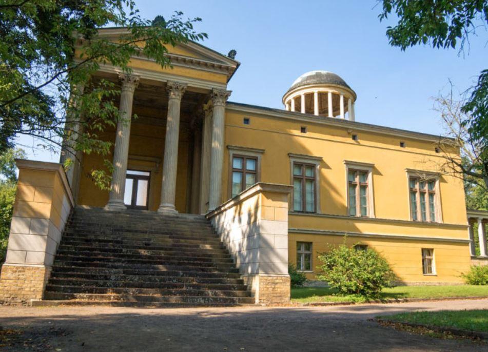 Дворец Линдштедт (Schloss Lindstedt)