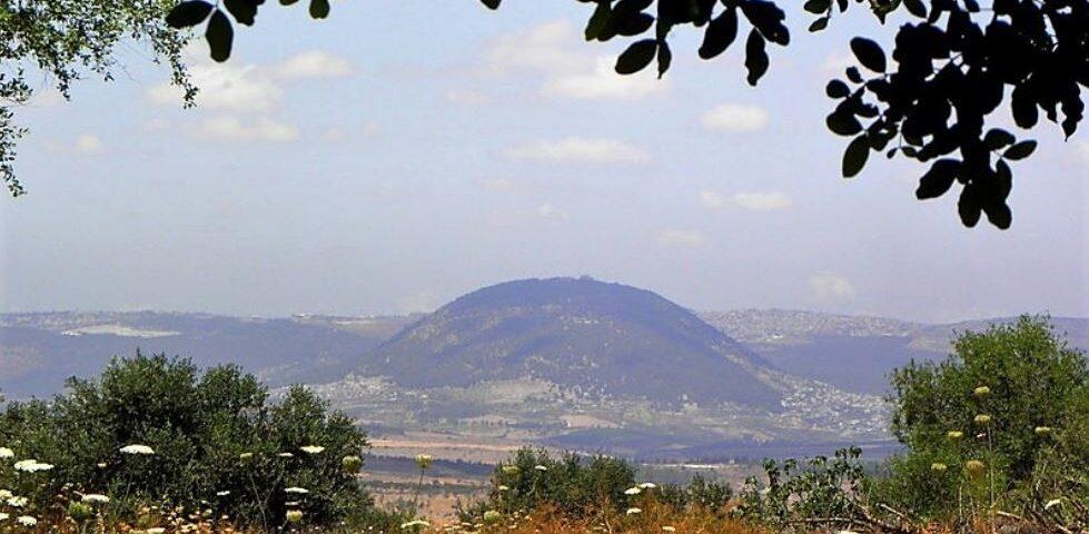 Гора Фавор - святыня для христиан всего мира, считается горой Преображения Господня