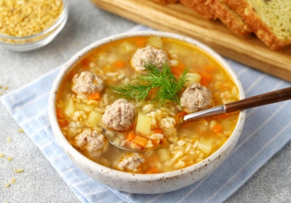 Похмельный супчик на 1 января, с фрикадельками и рисом