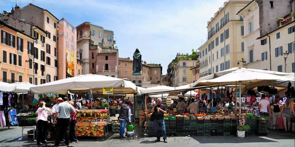 Старейший продуктовый рынок Рима - Кампо-дей-Фьори
