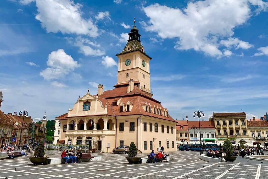 Площадь Сфатулуй, Брашов (Румыния)