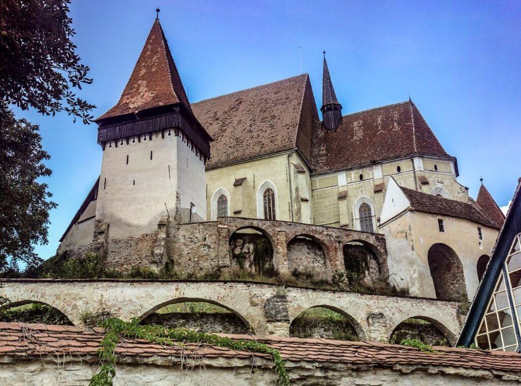 фортификационная церквь Бьертан