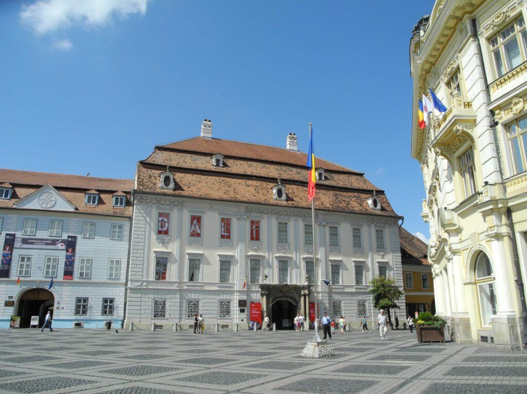 Национальный музей Брукенталя (Muzeul Naţional Brukenthal)