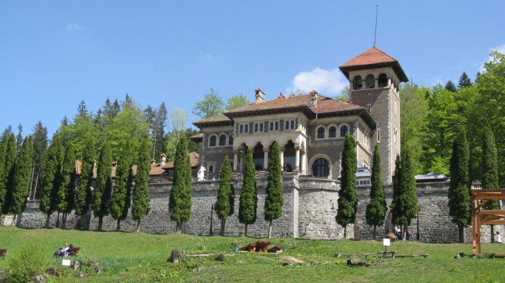 Замок Кантакузино в Буштени возле Синая