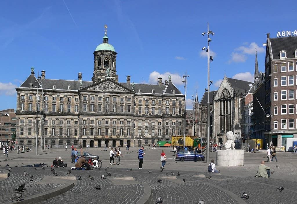 Королевский дворец в Амстедаме