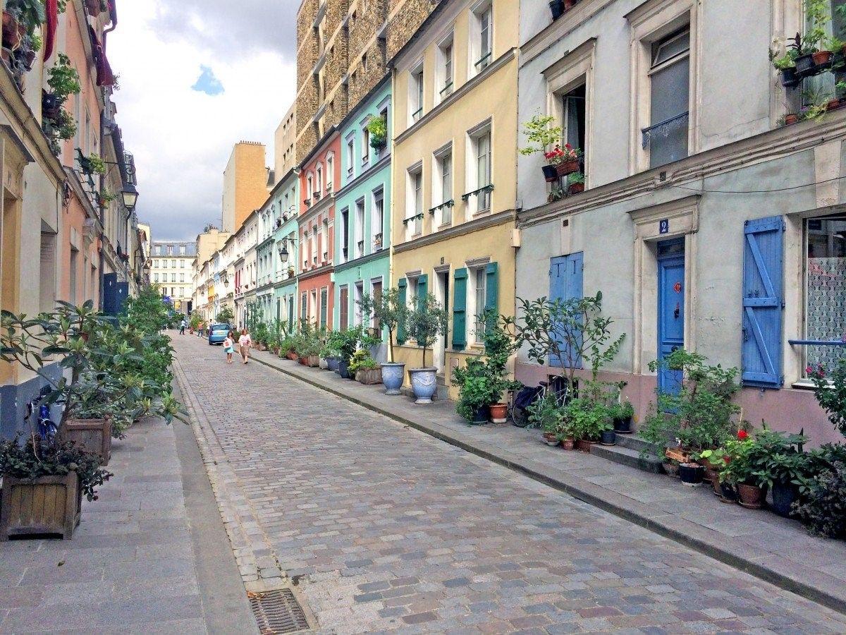 Улица Rue Cremieux, прозванная «маленьким Лондоном»