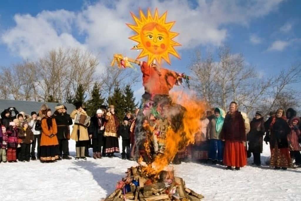 Сожжение чучела – прощание с зимой Масленица 2021