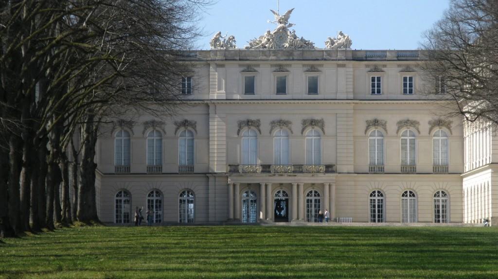 Тыльная сторона дворца Херренкимзее