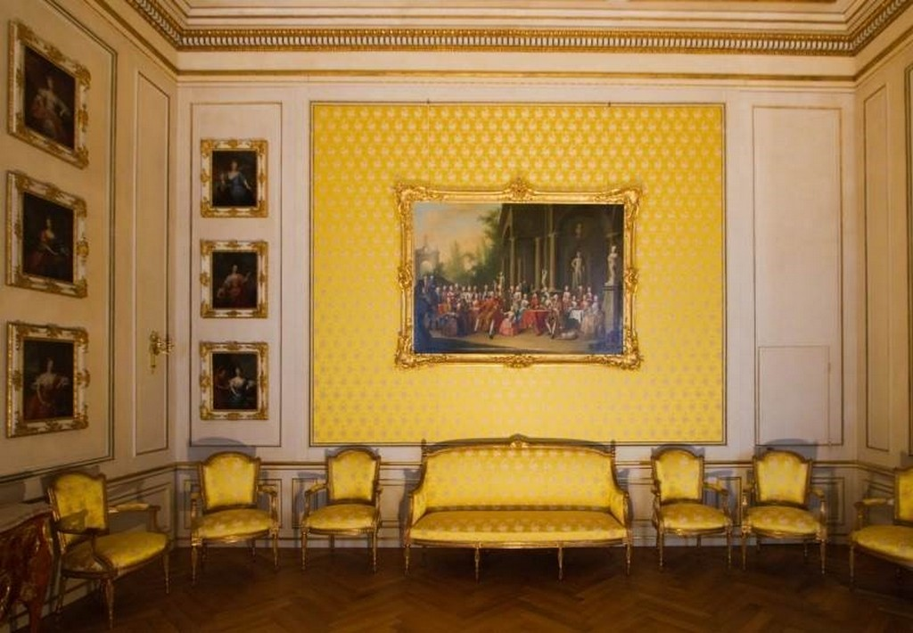 Нимфенбург - интерьер залов