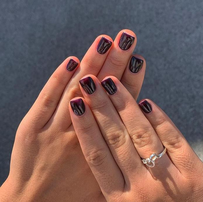 Маникюр цвета баклажан - простой маникюр модный