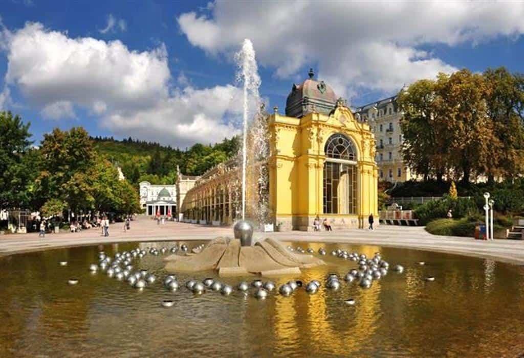 Поющий фонтан с классической музыкой, Марианске-Лазне