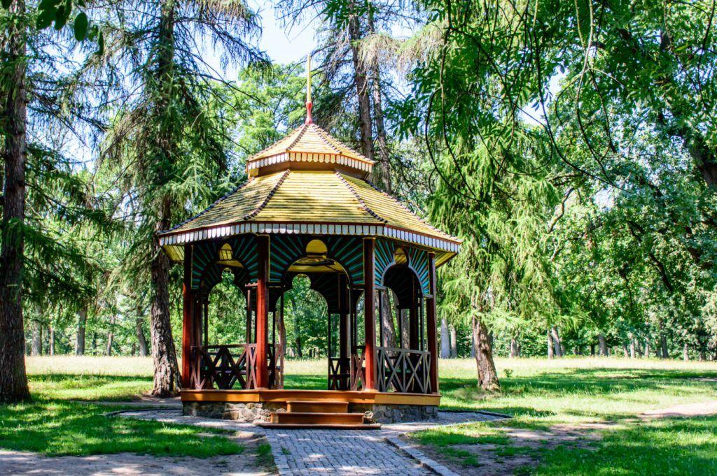 """Китайская беседка в парке """"Софиевка"""", Умань"""