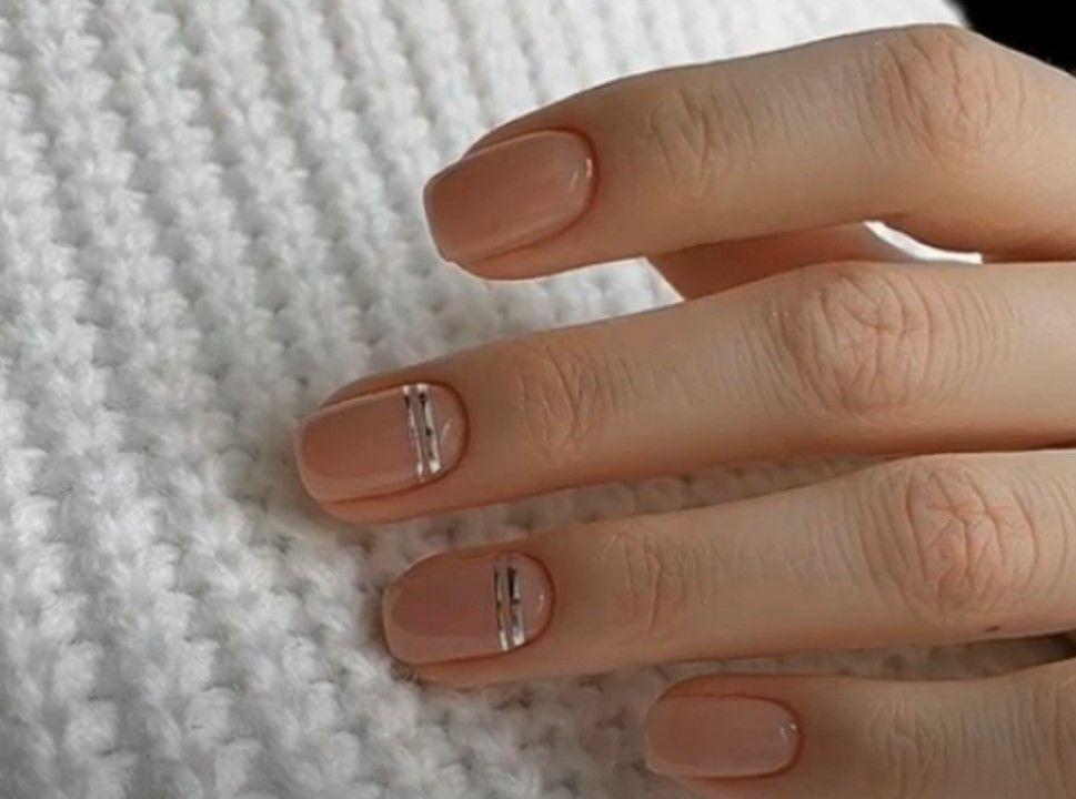 Элегантный деловой стиль ногтей
