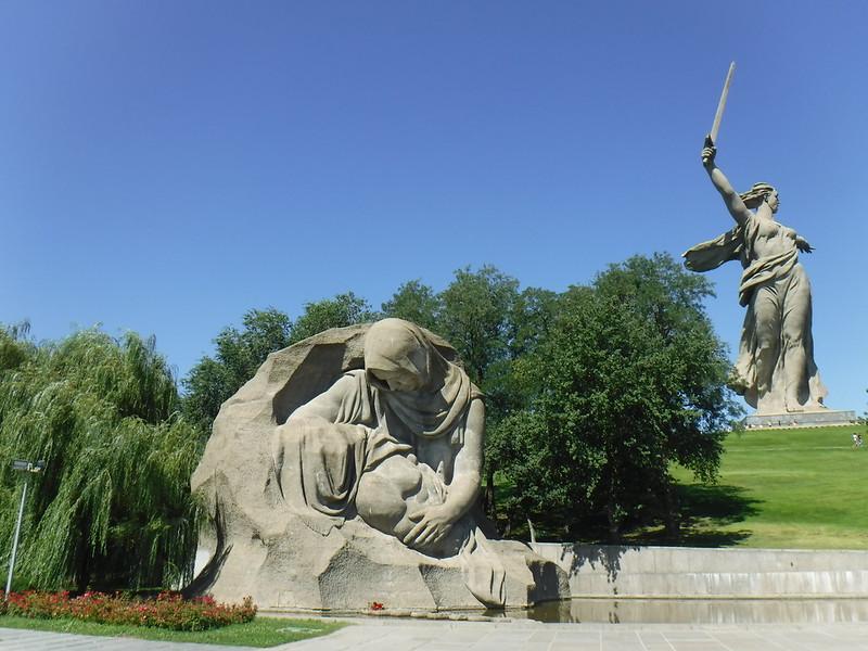 героев сталинграда не забудет мир