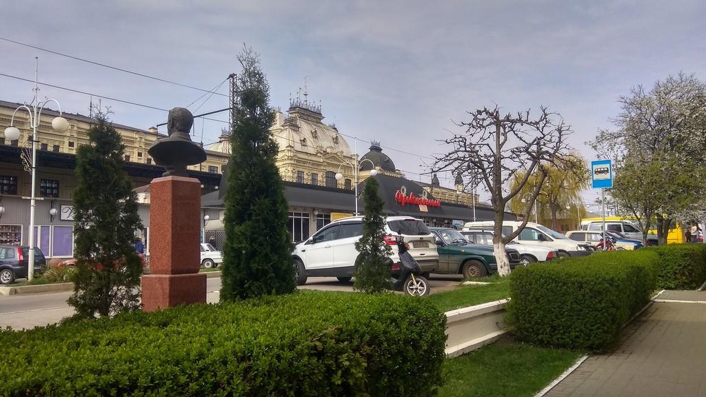 На подъездах к Жмеринскому железнодорожному вокзалу