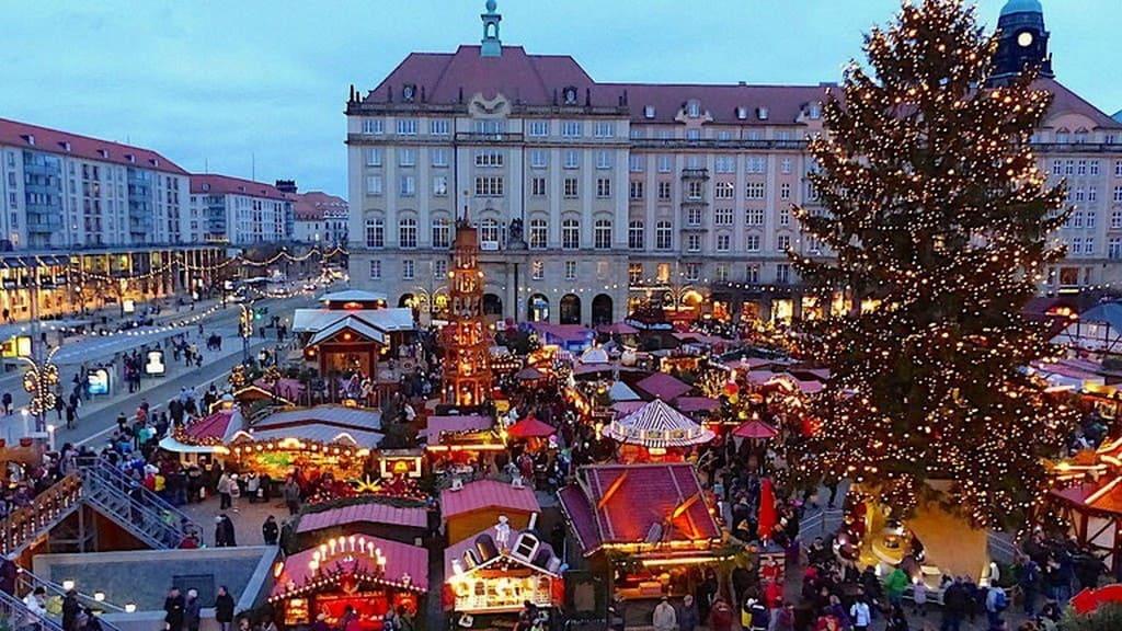 Ярмарка Штрицельмаркт (Striezelmarkt), Дрезден зимой Новый год  2020