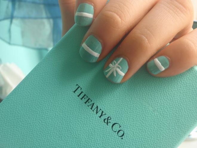 Голливудские ногти в стиле TIFFANY