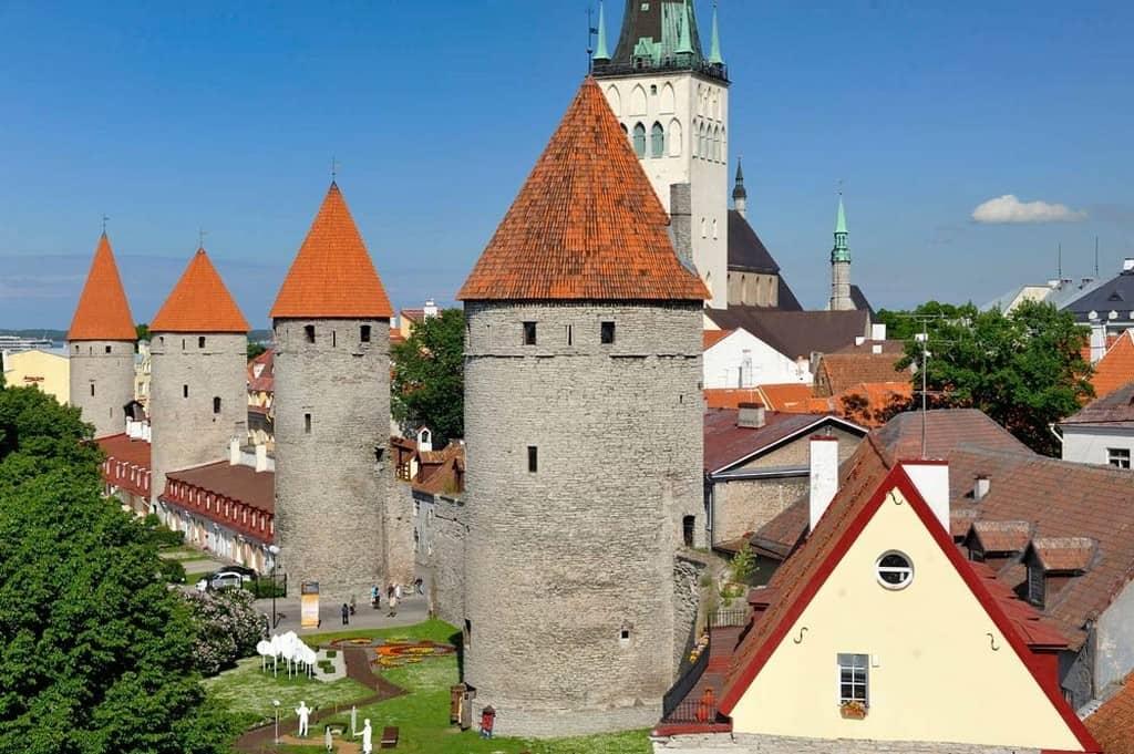 Таллинская городская стена (Tallinna linnamüür)