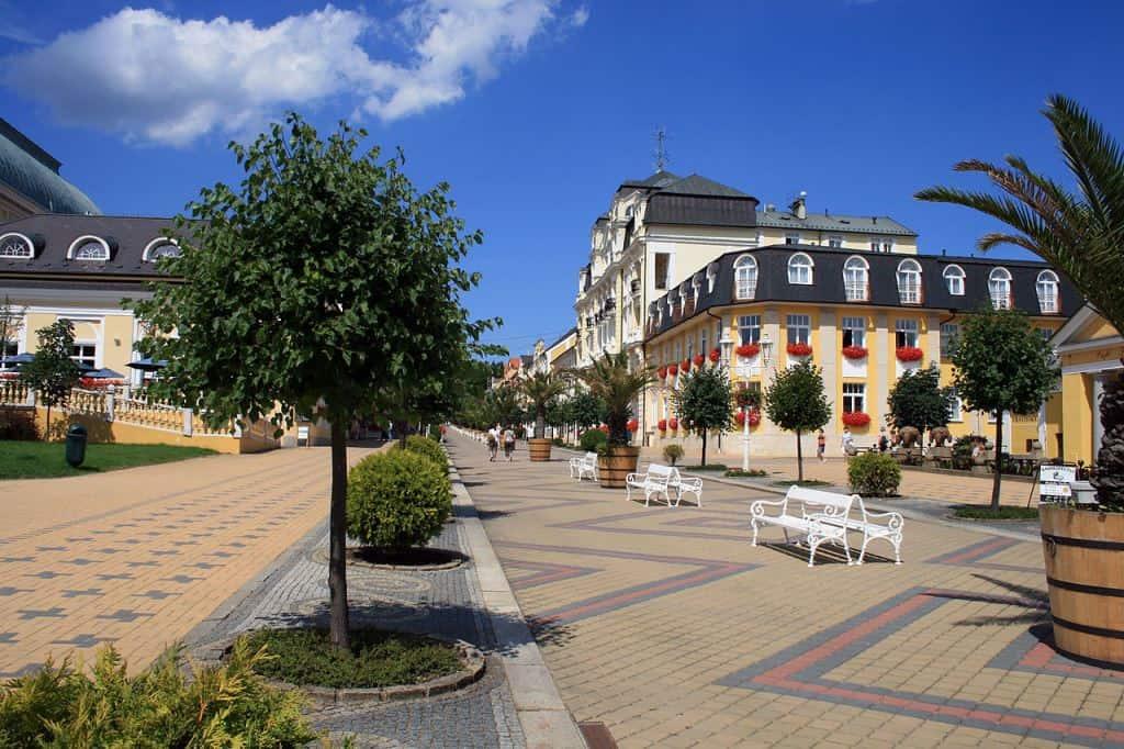 Главная улица Франтишковых Лазней – Народный проспект (Центр города)