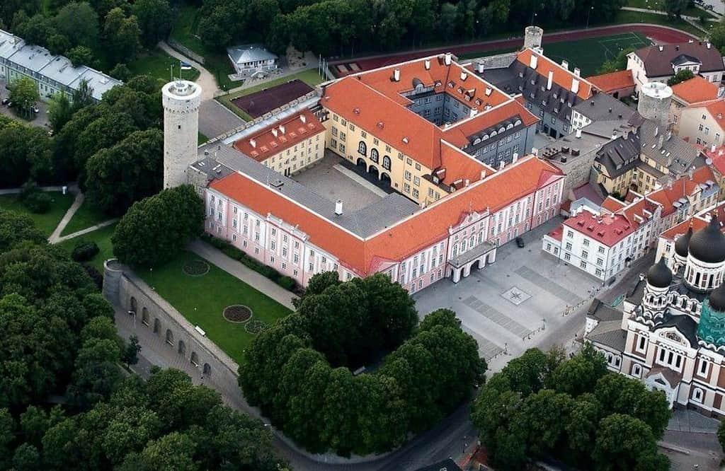 Замок Тоомпеа (Toompea loss) Таллин (Эстония)