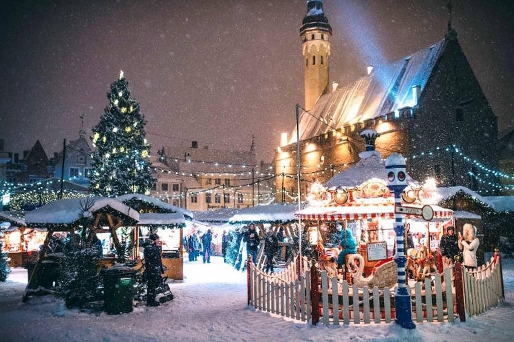 Ратушная площадь, Таллин зимой