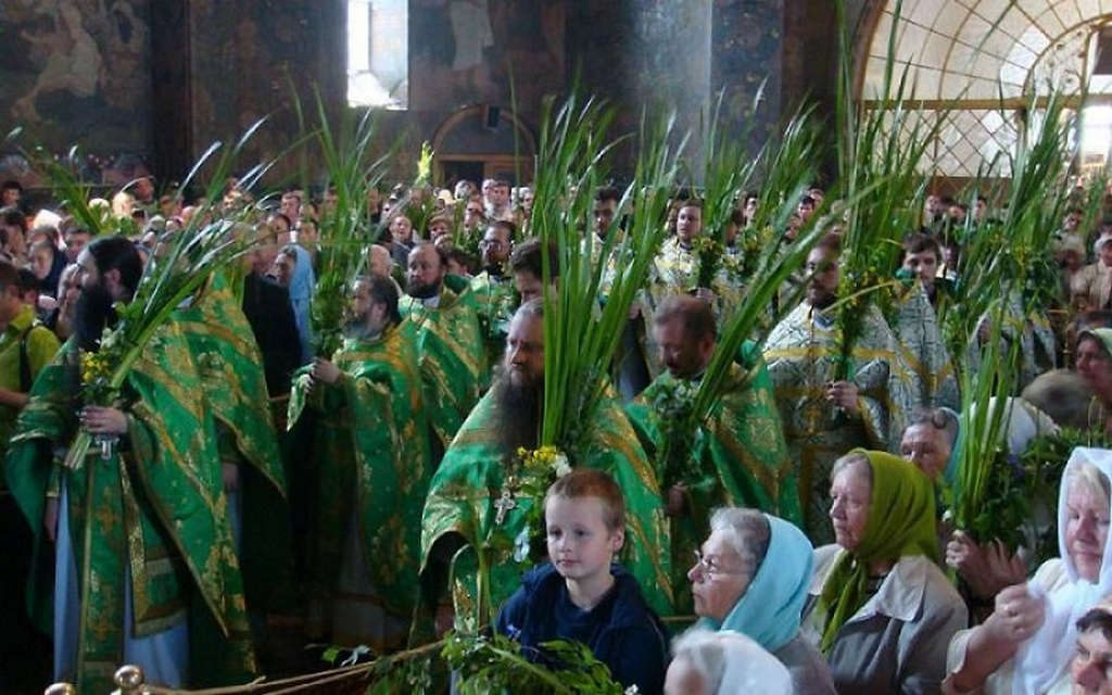 Праздничная литургия на Троицу в Киево-Печерской Лавре