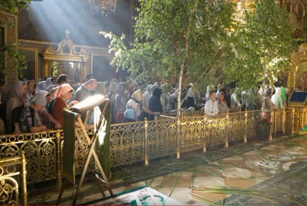Литургия на День Святой Троицы в Свято-Почаевской Лавре