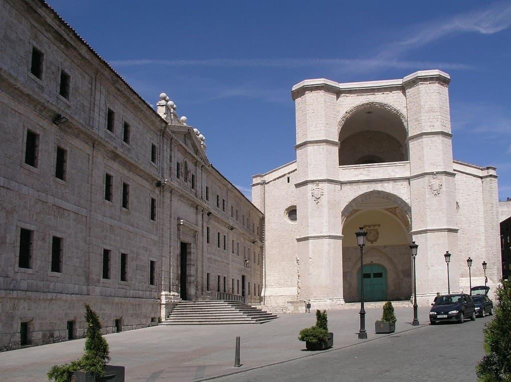 Церковь монастыря Сан-Бенито-эль-Реал Вальядолид (Испания)