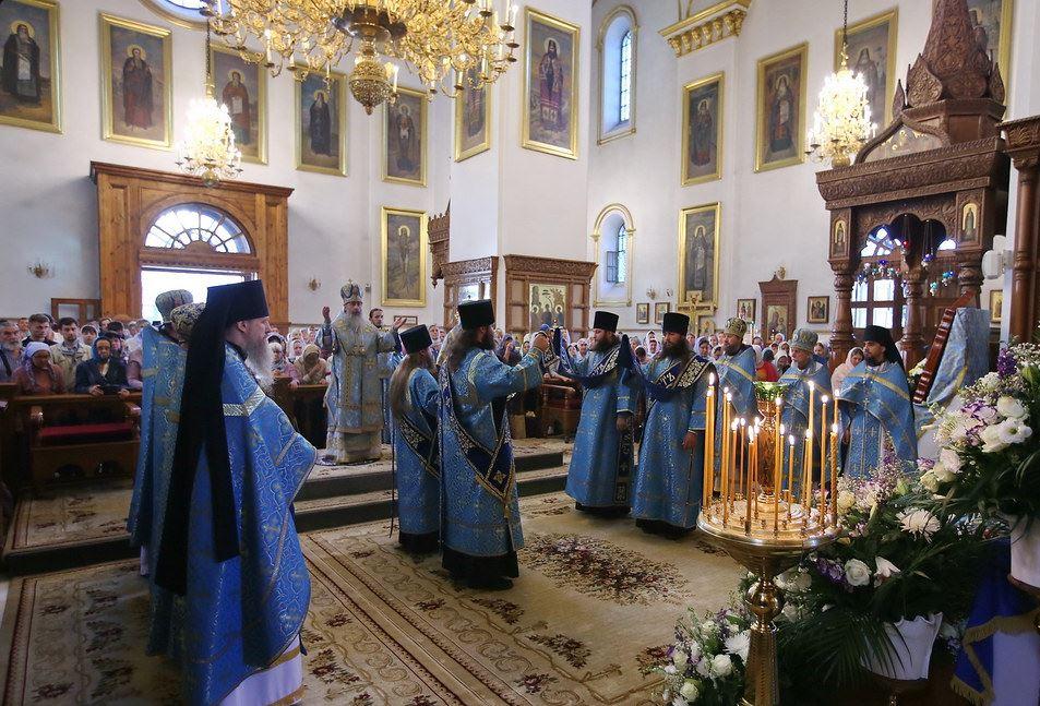 В Успенском соборе Святогорской Лавры
