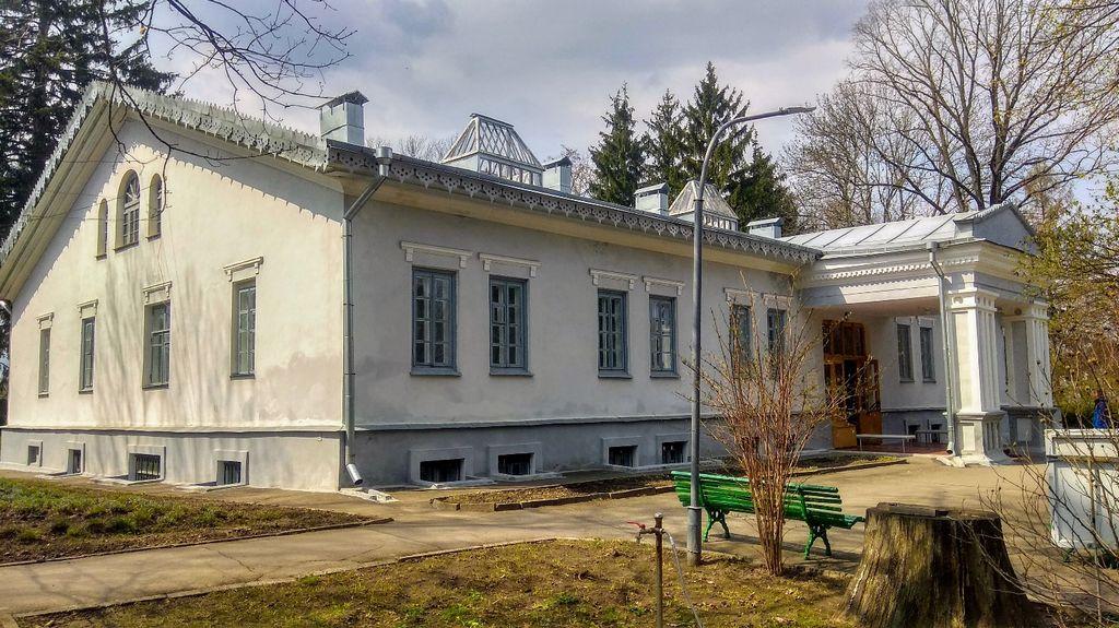 Дом Н.И.Пирогова со стороны главного входа
