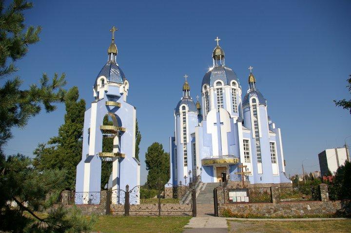 Центральный фасад греко-католического Покровского собора, Винница