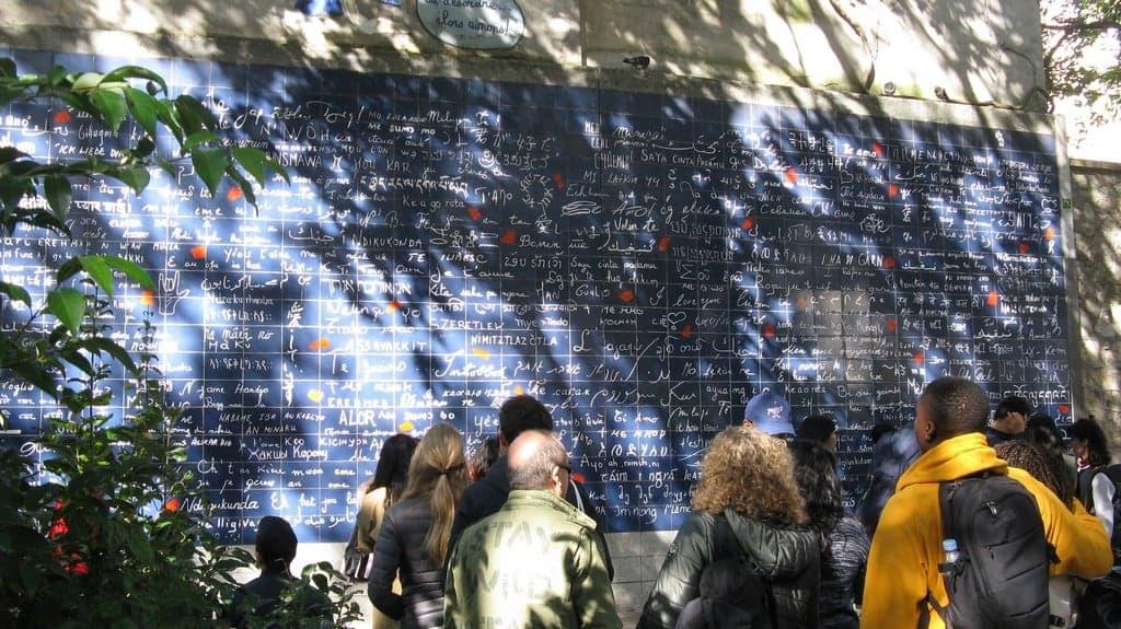 Стена любви (Le mur des je 'aime), Париж - интересные достопримечательности