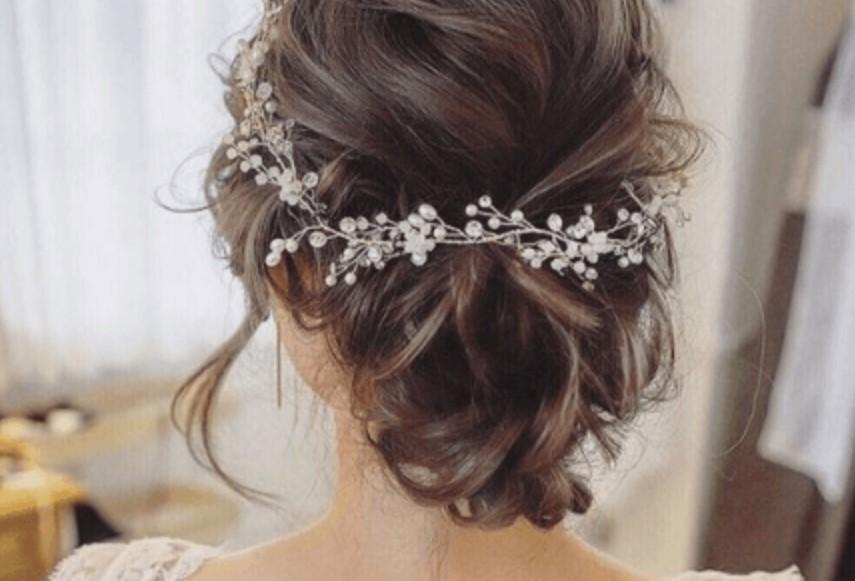 Прическа невесты должна выглядеть естественно