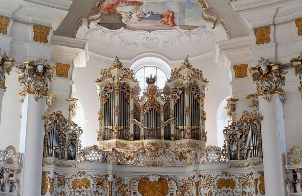 Паломническая церковь Вискирхе, интерьер