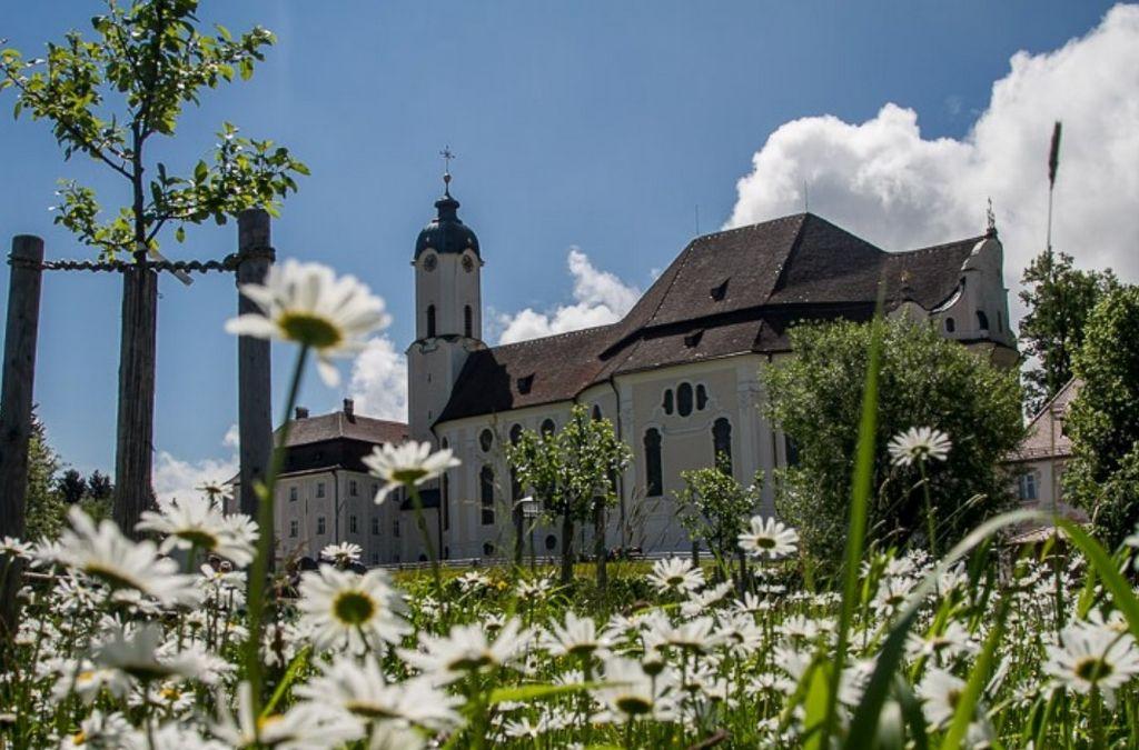 Паломническая церковь в деревне Вис - (Wieskirche)