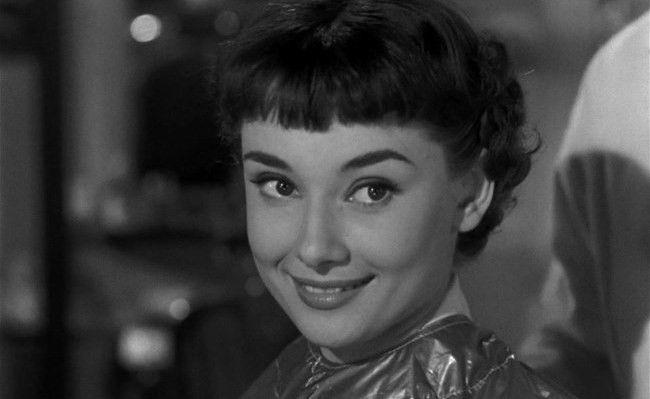 Короткая стрижка Пикси актрисы Одри Хепберн (1929-1993) из кинофильма «Римские каникулы»