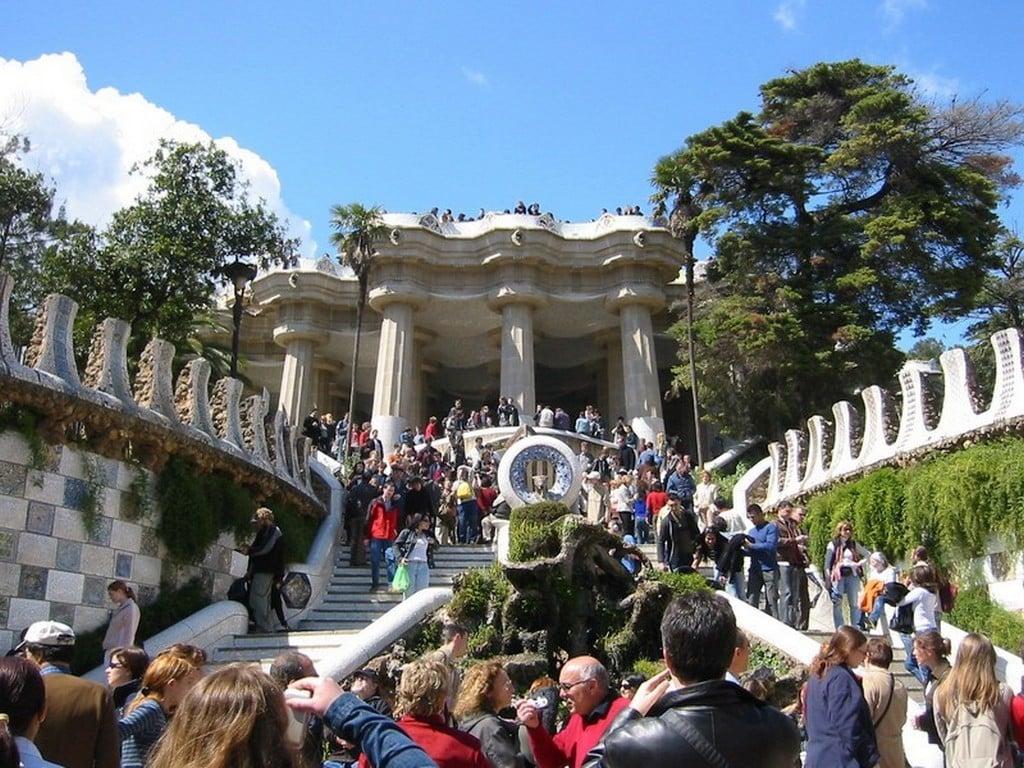 Парадная лестница парка Гуэля, Барселона самостоятельно