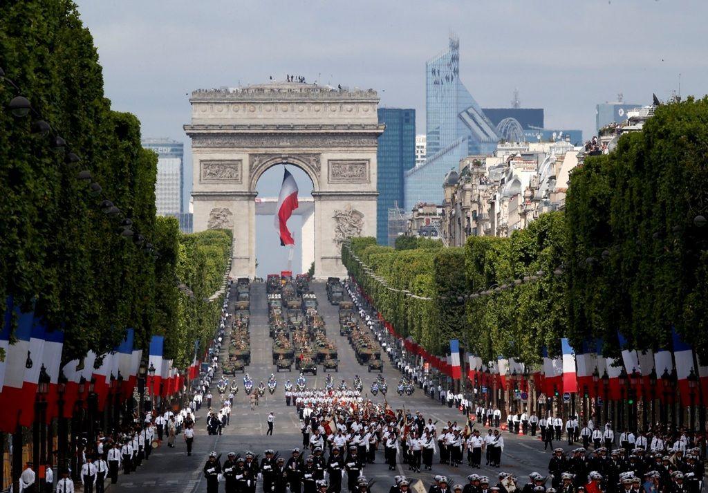 Елисейские поля (Champs-Élysées), Париж - интересные достопримечательности
