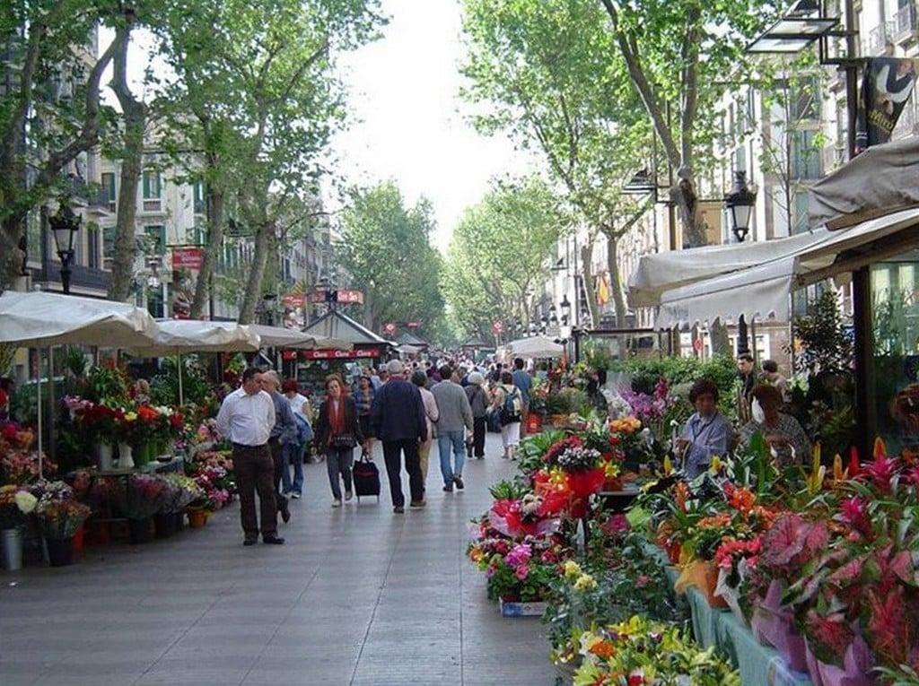 Пешеходная улица Рамбла, Барселона самостоятельно