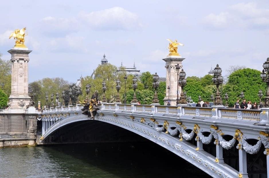 Мост Александра III (Pont Alexandre III), Париж - интересные достопримечательности