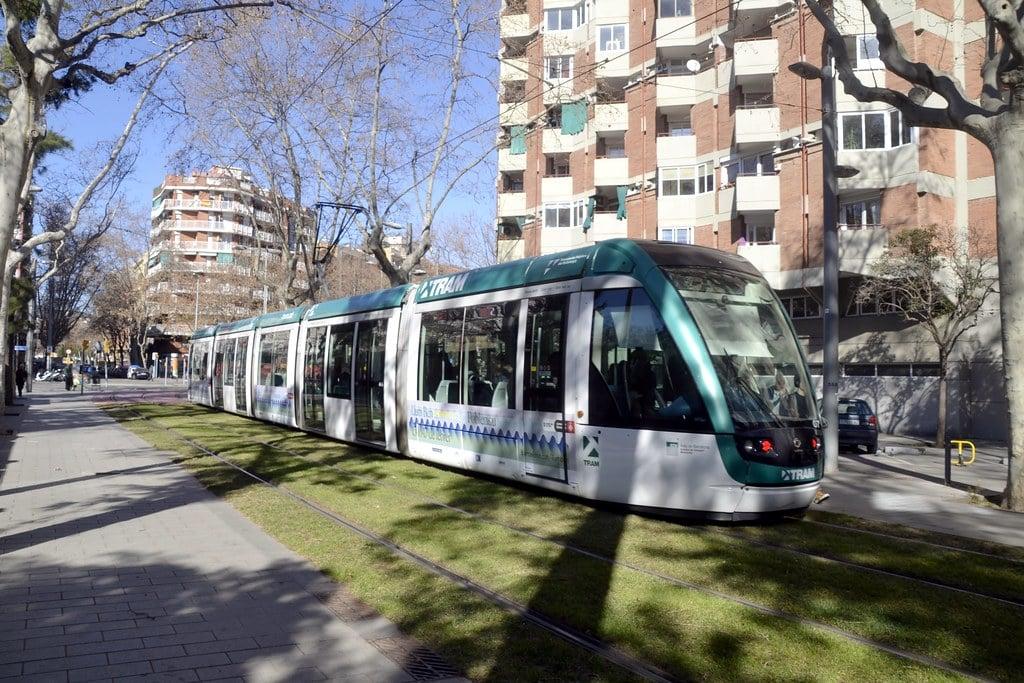 Скоростной низкопольный трамвай в Барселоне - Барселона на общественном транспорте