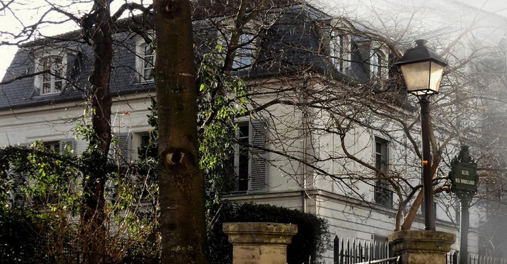 Замок туманов (Le Chatoleau des Broillards), Париж