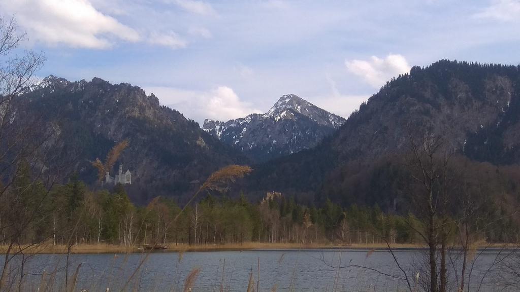 Озеро возле замка Нойшванштайн