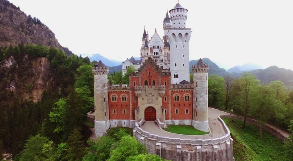 Ворота замка Нойшванштайн
