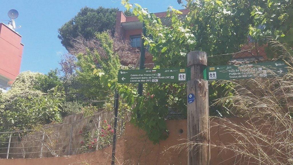 Указатели на тропе Ками-де-Ронда, Коста Брава: Льорет-де-Мар